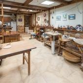 Внутри третьего здания на Измайловском Валу-30 расположилась гончарная мастерская