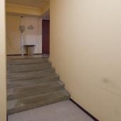 При входе в ПСН на Волынской 9 есть ступени